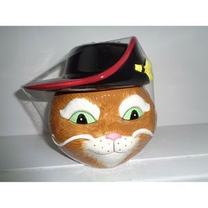 """""""Puss In Boots"""" Ceramic Cookie Candy Jar"""